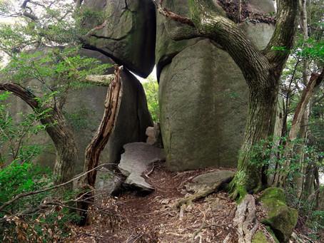 金敷城山(カナシキジョウヤマ)と巨石(2021年3月14日)