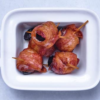 ciruelas con bacon- bella artes.jpg