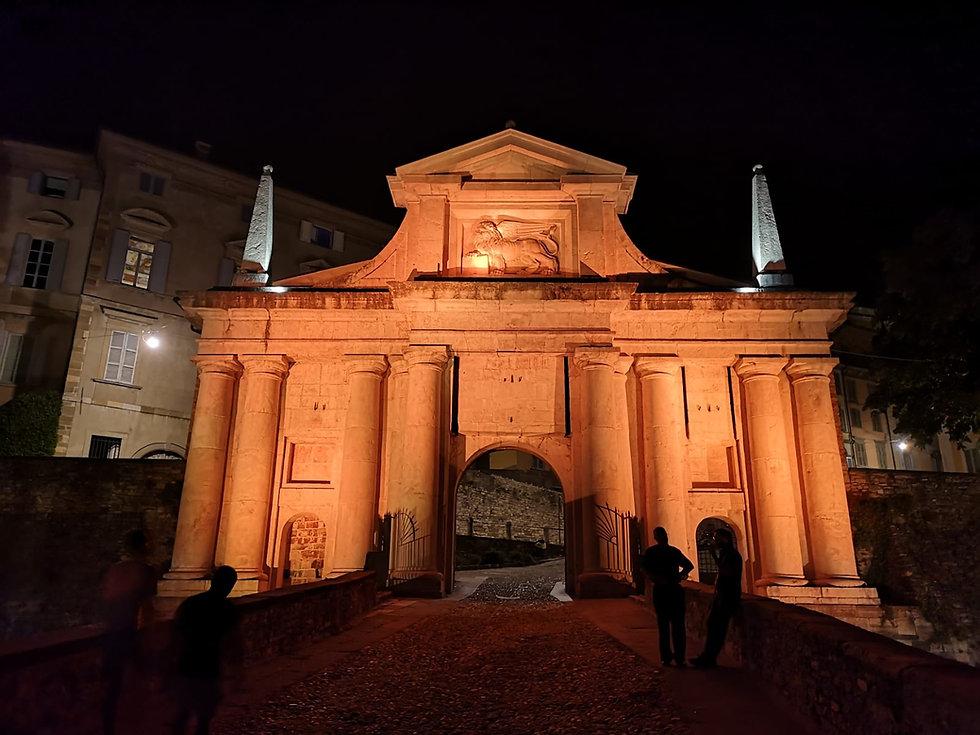 Porta San Giacomo.jpeg