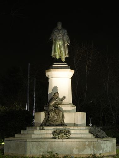 Monumento a Cavour