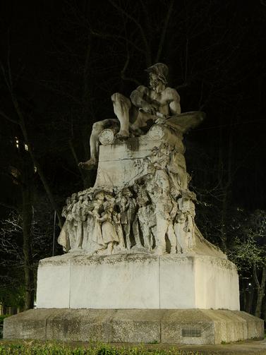 Monumento a F. Cavallotti