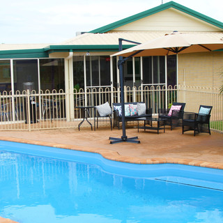 MUNDUBBERA MOTEL QLD POOL