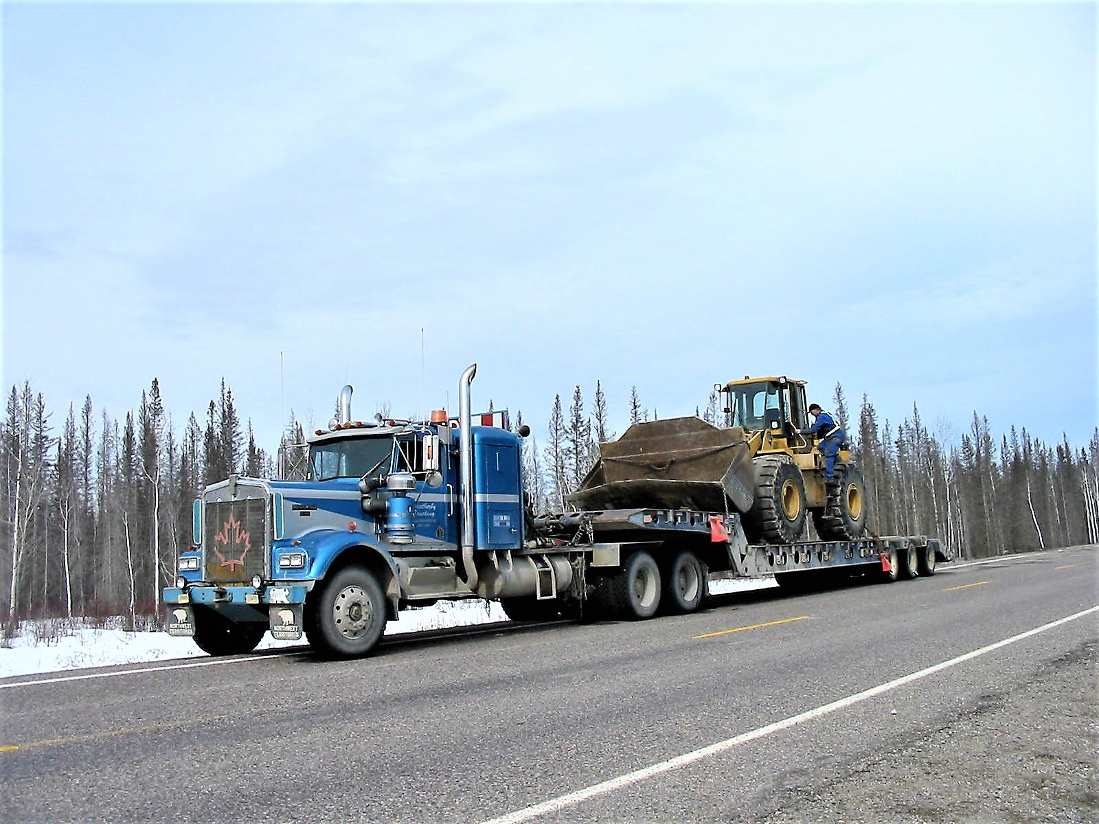 Yellowknife Heavy Hauling