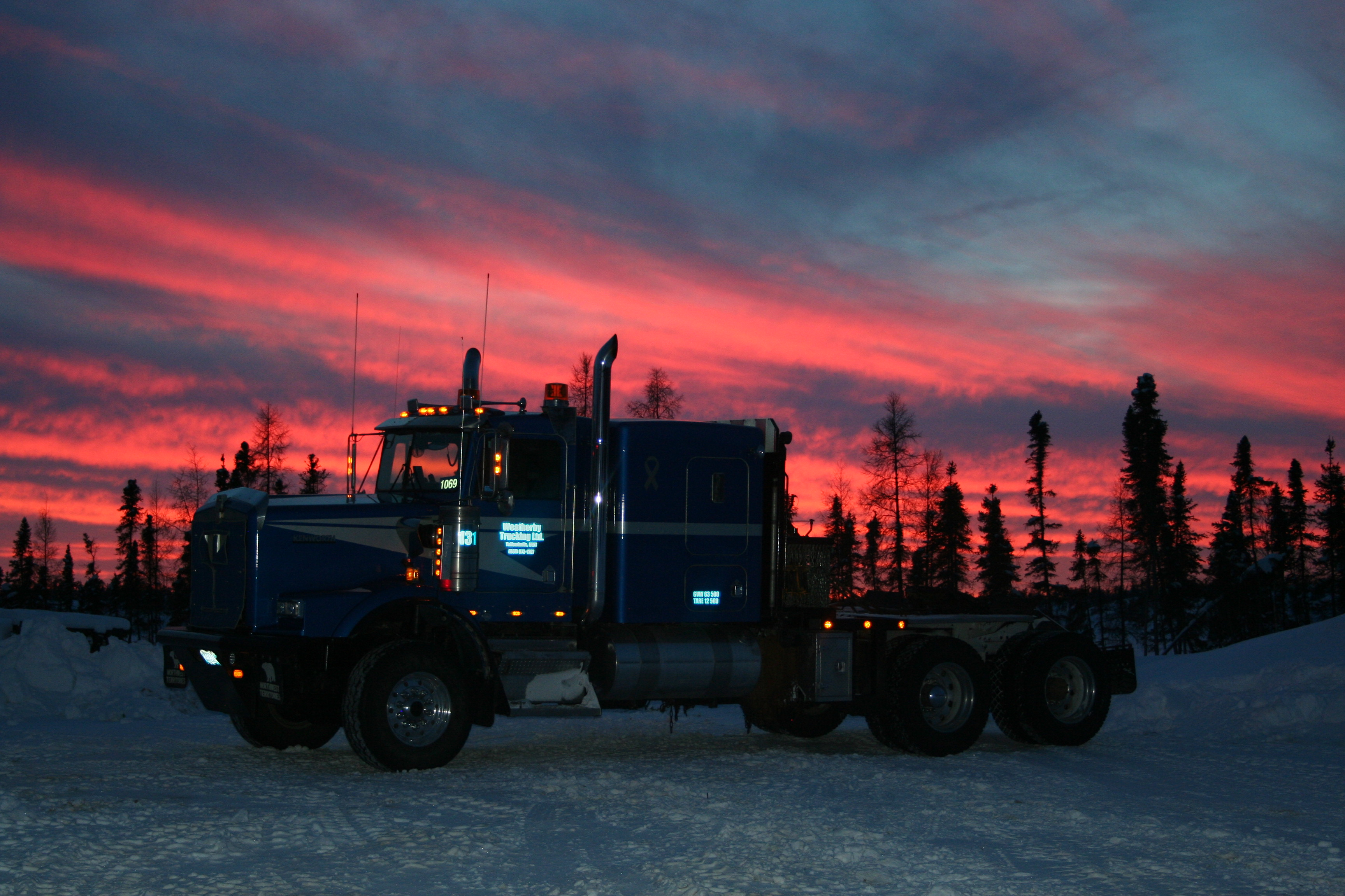 Yellowknife Trucking