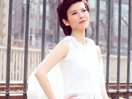 Wen Liu_portrait.jpg