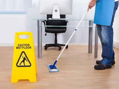 É fundamental manter a limpeza no ambiente de trabalho