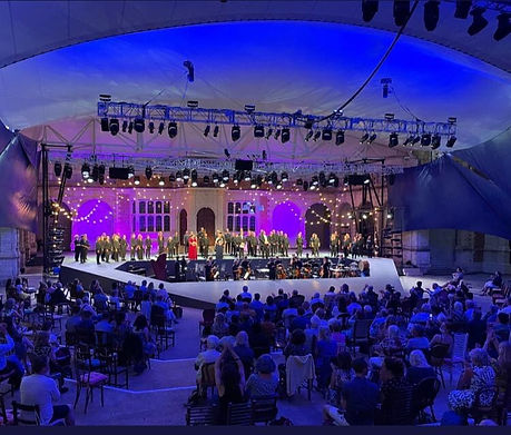 Opera Holland Pk