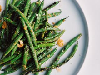 Green Beans with Lemon, Garlic & Parmesan