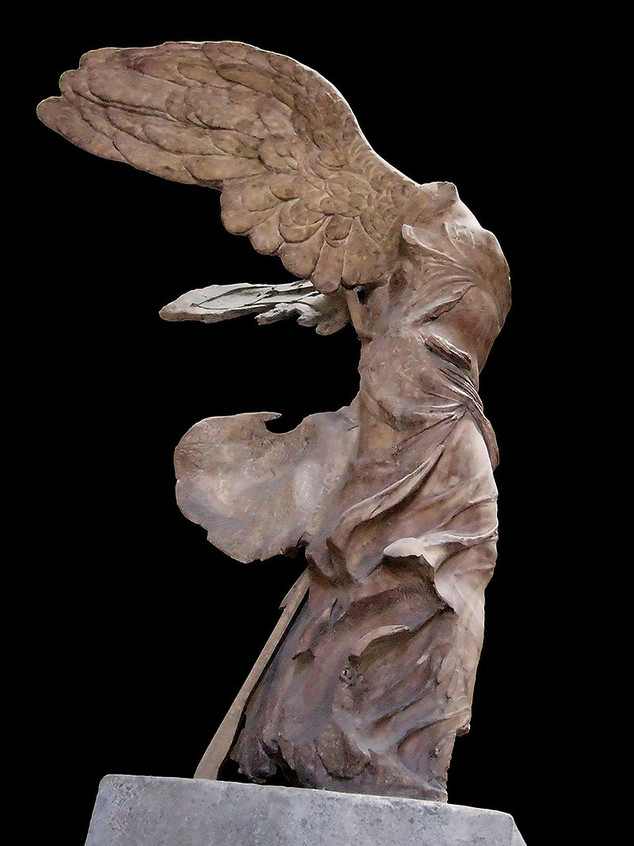 800px-Winged_Victory_of_Samothrace_side.