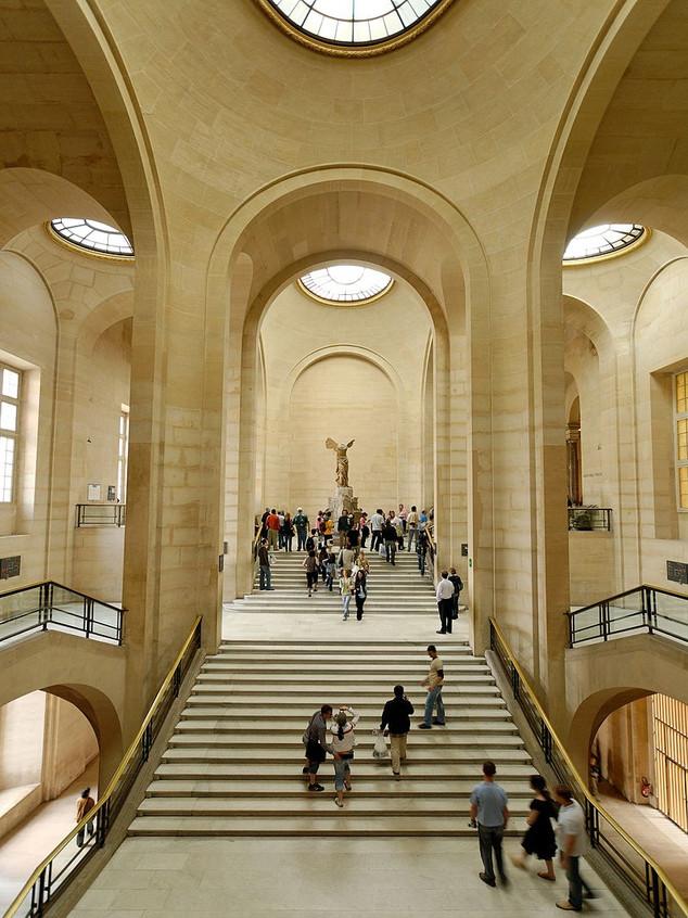 800px-Daru_staircase_Louvre_2007_05_13