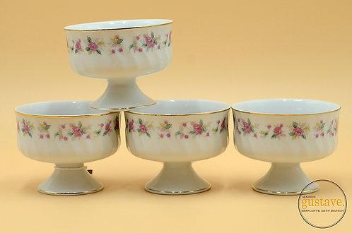 4 coupes à dessert en porcelaine
