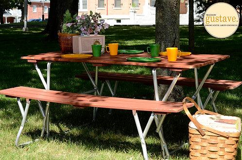 Table et banquettes pliantes