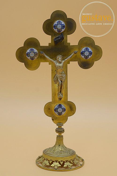 Crucifix en laiton