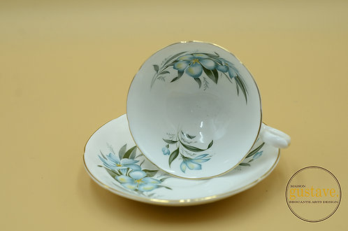 Tasse anglaise en porcelaine
