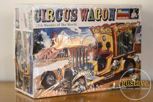 VENDU- Monogram Circus wagon