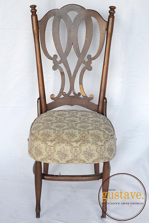 Chaise de bois tel quel