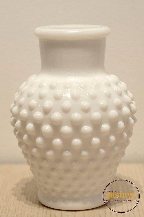 Vase en verre de lait