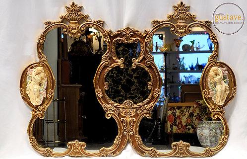 Miroir provincial français importé par Union City Mirror & Table Co.