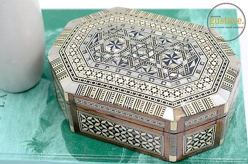 Coffre à bijoux en bois égyptien