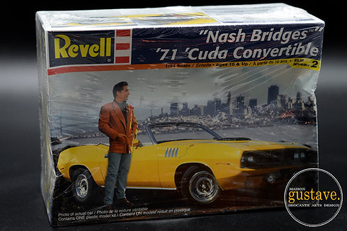 "Revell '61 'Cuda Convertible ""Nash Bridges"""