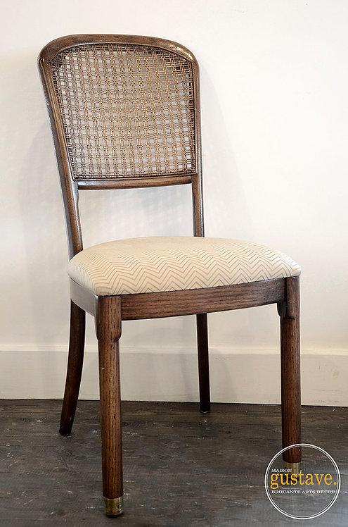 Chaise cannée en bois