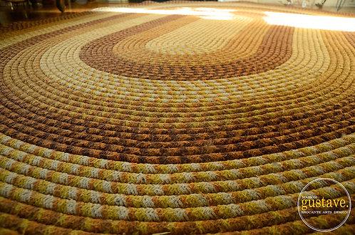RÉSERVÉ jusqu'au 23 juin* Très grand tapis ovale tressé brun orangé
