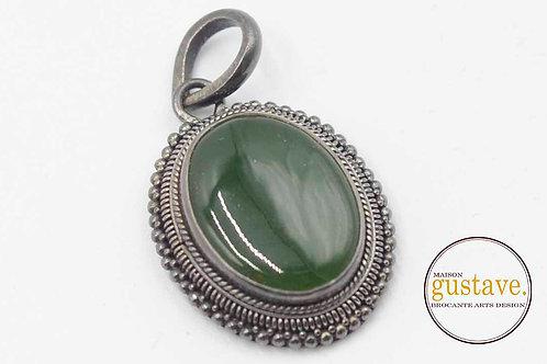 Pendentif vintage en argent avec pierre verte