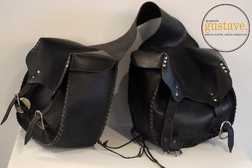 VENDU* Sacoches de cuir pour motocyclettes