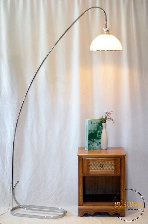 Grande lampe arc vintage sur pied