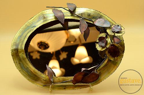 Miroir ovale en cuivre style brutaliste