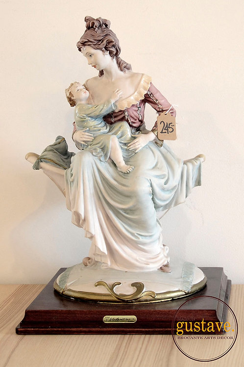 Statue Valentino par Miriam