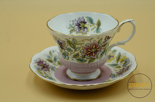 Tasse de porcelaine Royal Albert