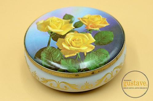 Boîte de métal ronde vintage, fleurs jaunes