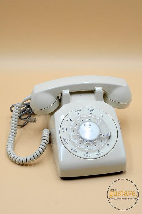 Téléphone vintage à cadran