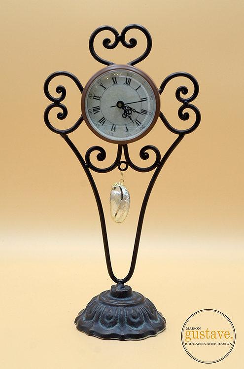 Horloge de table sur pied
