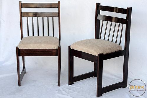 Chaises en bois (2)