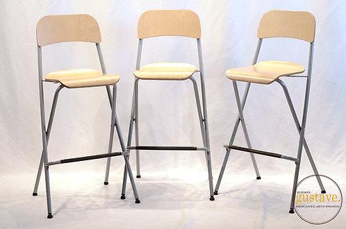 Chaises hautes en bois et métal