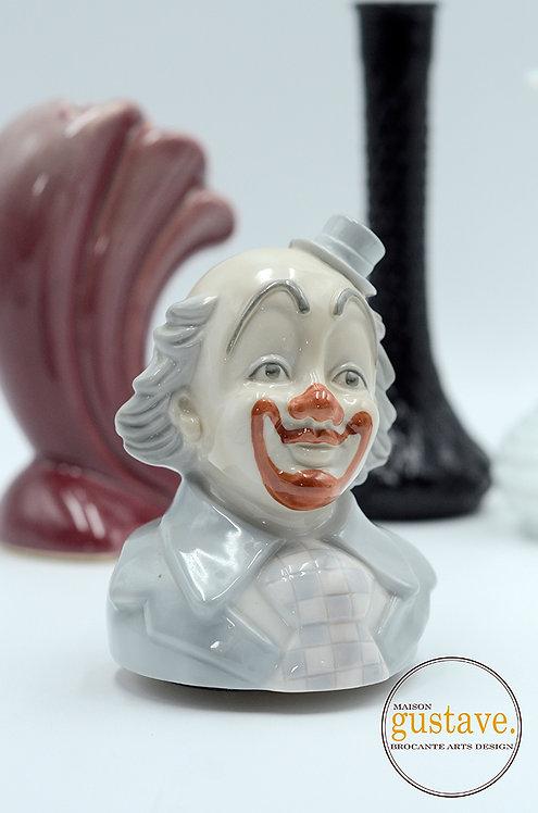 """Clown musical """"Send in the clown"""""""