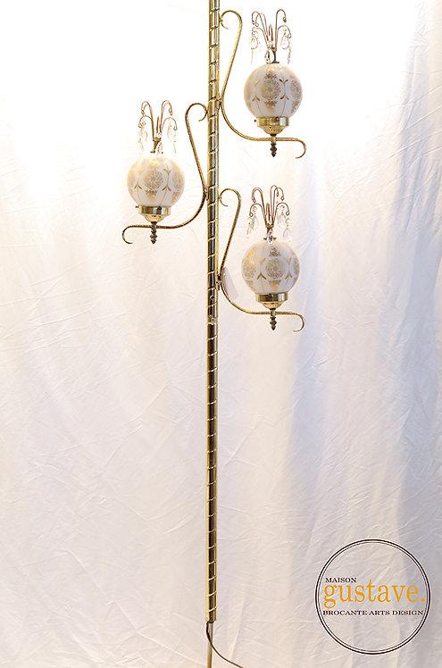 Lampe pôle à trois intensités
