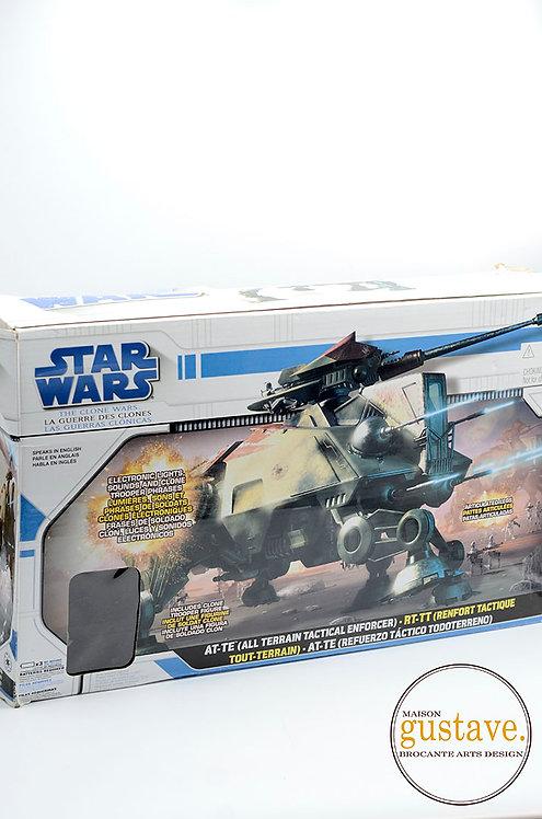 Star wars AT-TE Hasbro 2008 avec la boîte