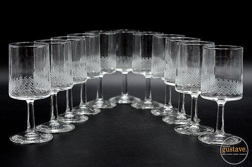 11 coupes en verre taillé