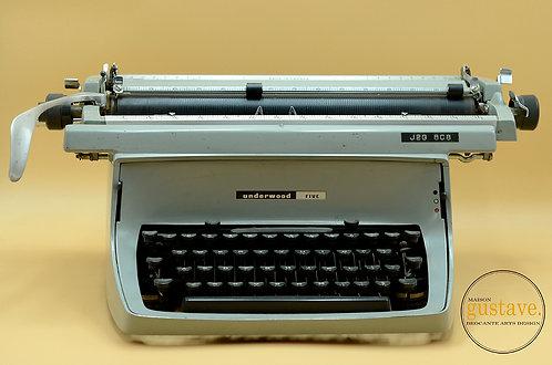 Machine à écrire Underwood Canada modèle TouchMaster 5, 1965