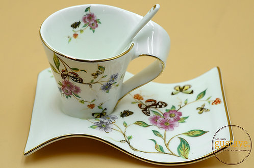 Tasse, plat et cuillère en fine porcelaine, Angleterre