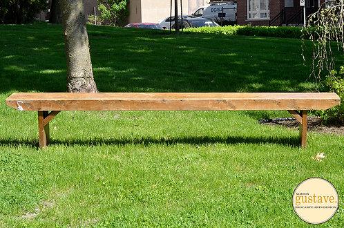 Long banc en bois