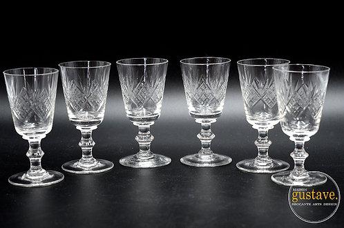 6 coupes en verre taillé