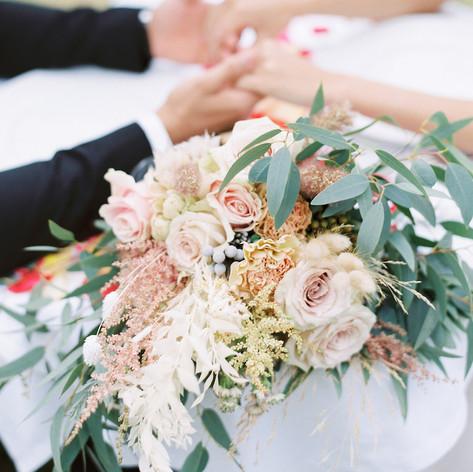 Wedding florals by Le Kiosque à Fleurs Marrakech   Catherine Villier