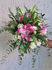 Standard bouquet in pink and white