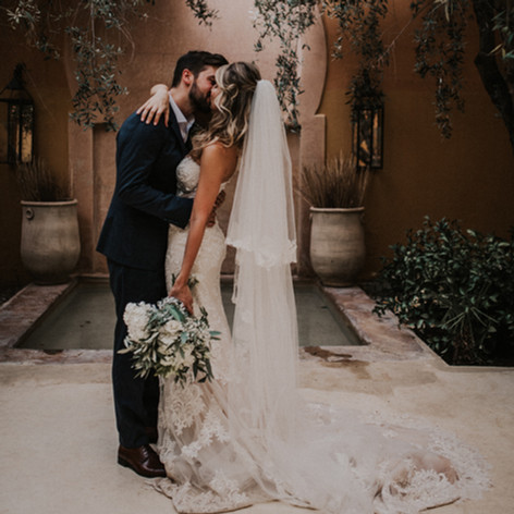 Beautiful bride Shahad Alani on her wedding day in Marrakech.  Bridal bouquet by  Le Kiosque à Fleurs Marrakech | Catherine Villier  Photography by El Momento Perfecto Fotografo