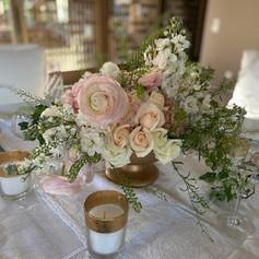 Fresh floral bouquet table centrepeieces for a private event in Marrakech by Le Kiosque à Fleurs Marrakech | Catherine Villier