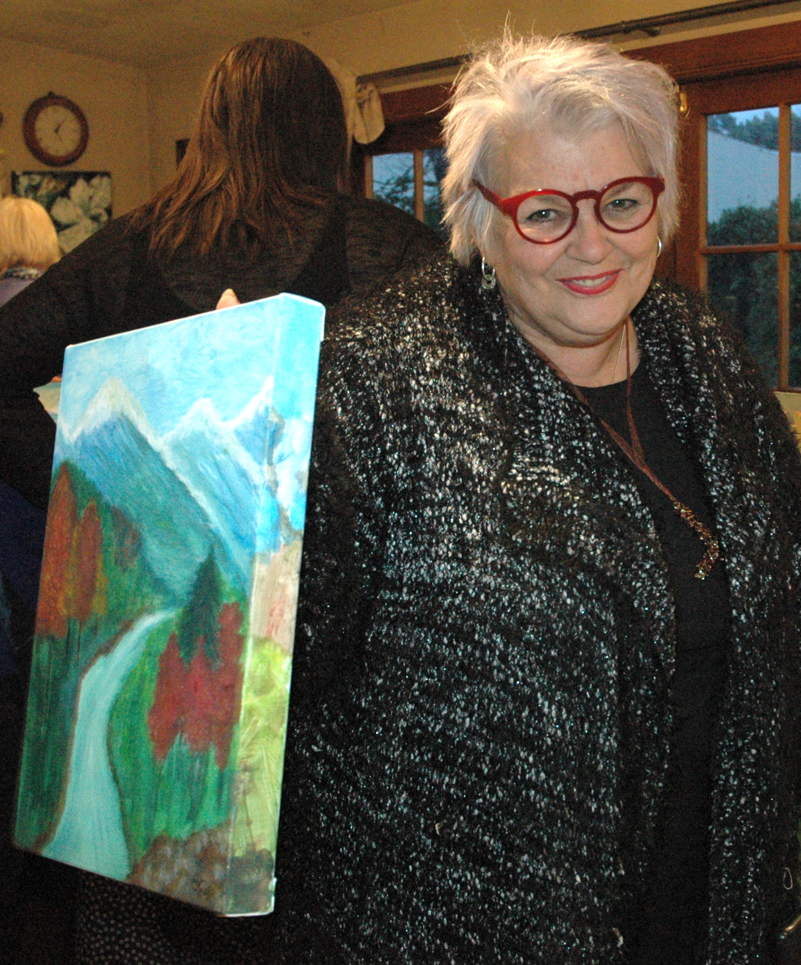 AAP 1901 - Eileen with her painting.JPG